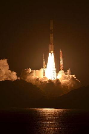 H-IIA_F21_launching_SHIZUKU.jpg